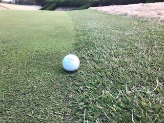 カラーとグリーンの境目にボールがあった際の簡単な打ち方